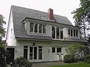 Dachausbau Mit Fenster : die besten 17 ideen zu dachgauben auf pinterest schuppen ~ Lizthompson.info Haus und Dekorationen