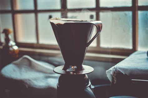 The good news is that the best coffee makers under $100 are all in the middle. Best Drip Coffee Makers Under 100 - Firewood Cafe