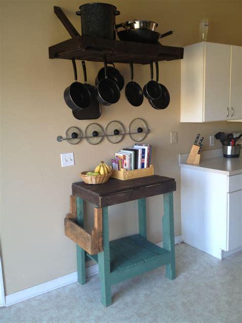 clever ways  repurpose wooden pallets