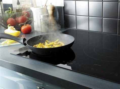 plaque electrique cuisine electroménager four hotte réfrigérateur et plaque de