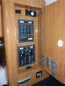 Westwind Yacht Sales 1997 Carver 325 Aft Cabin