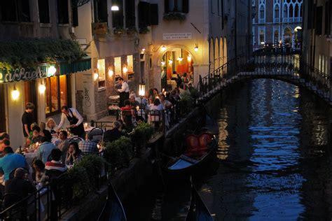 Venice Italy At Dusk Frogsviews Blog
