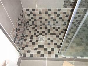 Comment Faire Une Douche à L Italienne : faire une douche l 39 italienne avec marche installation ~ Melissatoandfro.com Idées de Décoration