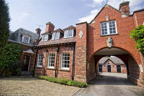 An Amazing Historic Coach House by Gate Burton Grade Ii Listed Coach House That Was
