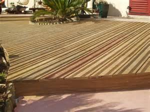 tour a bois castorama terrasse bois castorama bien choisir votre carrelage pour terrasse tout pour la dco with