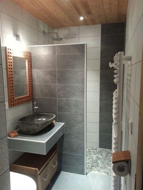 chambre en teck salle de bain avec et baignoire