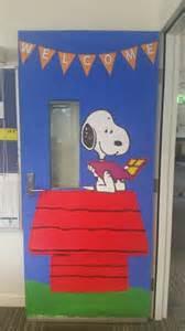 Snoopy Classroom Door Decorations by Snoopy Classroom Door School Craft Snoopy