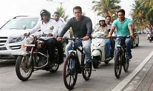 Want to know what Salman Khan did when he passed by Mannat ...