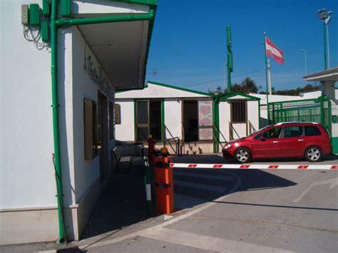capannoni in affitto bari affitto box locali e capannoni bari da parco ponte