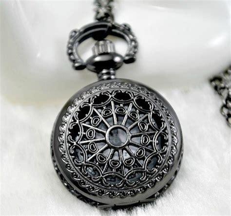 steam cuisine montre à gousset avec motif ferronnerie noir
