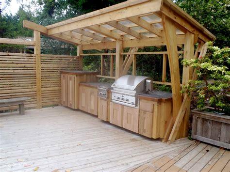 diy outdoor kitchen plans turn  backyard