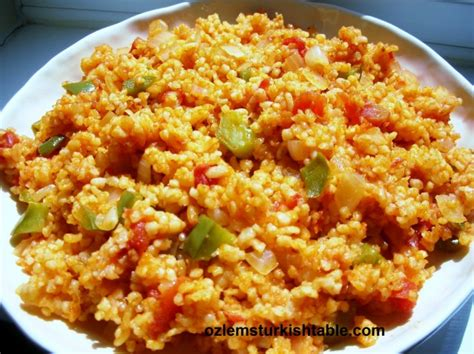 cuisine algeroise traditionnelle bulgur wheat pilaf with vegetables sebzeli bulgur pilavi