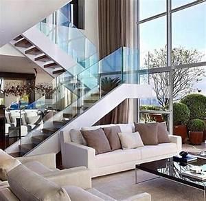 Treppe Im Wohnzimmer : treppe mit glasgel nder wohnzimmer design gestaltung von ~ Lizthompson.info Haus und Dekorationen