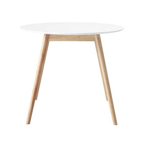 table ronde de salle  manger en hevea blanche   cm spring maisons du monde