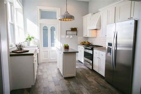 kitchen cabinet episodes fixer season 1 episode 12 kitchen the weathered fox 2490