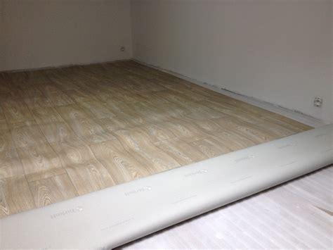 comment poser un lino sur du carrelage poser du lino sur du beton de conception de maison