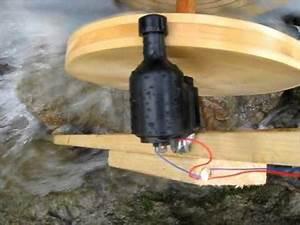 Selber Strom Erzeugen : wasserrad als generator mit einem fahrraddynamo youtube ~ Frokenaadalensverden.com Haus und Dekorationen