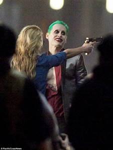 Jared Leto's full Joker costume revealed on Suicide Squad ...
