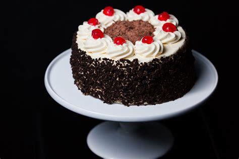 black forest gateaux cake box