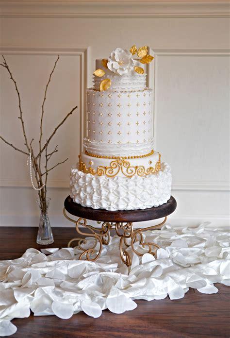 shannon bonds embossed wedding cake tutorial