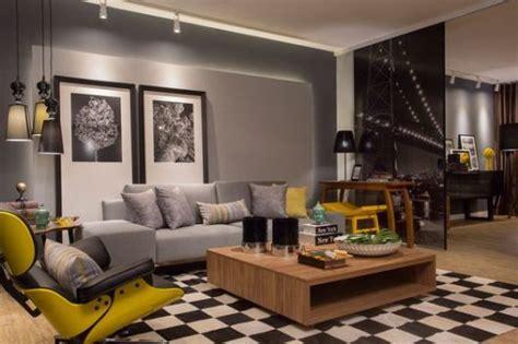 sala parede cinza e sofa marrom parede cinza dicas sensacionais onde usar e como fazer
