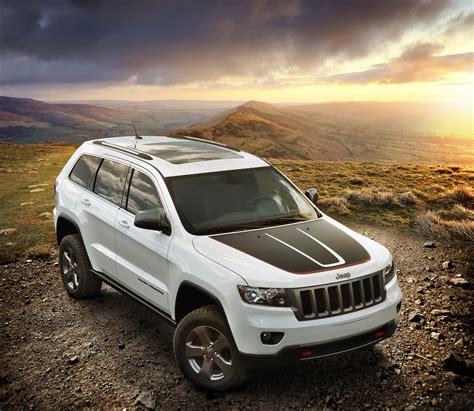 jeep grand cherokee trailhawk off road 2013 jeep grand cherokee trailhawk and 2013 jeep wrangler moab