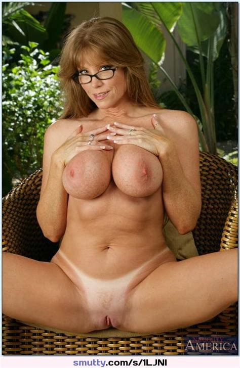 Mature Milf Mom Mommy Cougar Tanlines Glasses