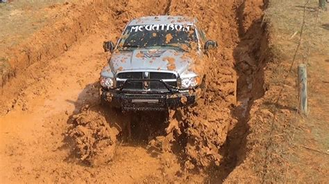 monster mud trucks videos these monster trucks go full throttle who will make it