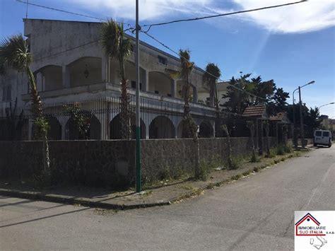 in vendita a castel volturno ville in vendita a castel volturno cambiocasa it