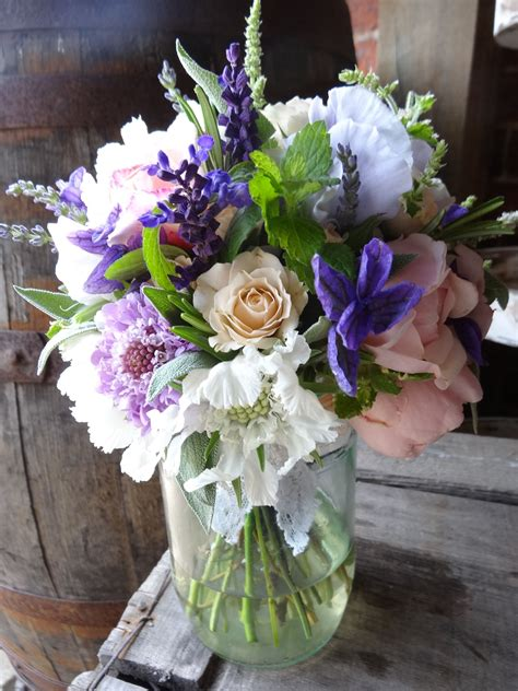 Late Summer Wedding Flowers By Catkin Coral Wedding