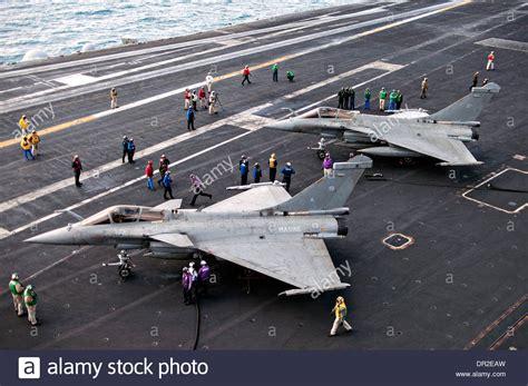 portaerei francesi marina francese f1 rafale fighter aircraft dalla portaerei