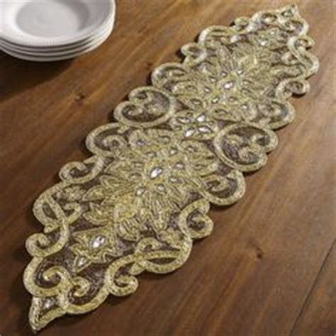 how to make a beaded table runner how to innocently make others green with envy at your