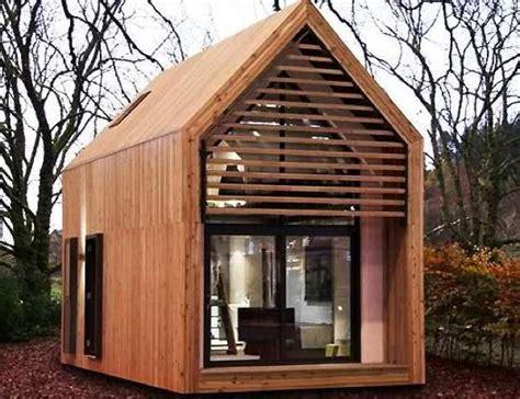 Kleine Fertighäuser Aus Holz by 30 Preiswerte Minih 228 User W 252 Rden Sie In So Einem Haus Wohnen