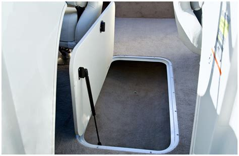 floor l with storage research 2010 stingray boats 195lrlslx on iboats