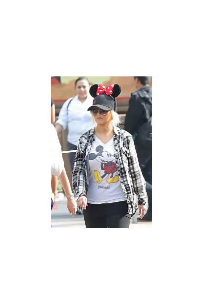 Aguilera Disneyland Christina Anaheim Gotceleb Latest Hawtcelebs