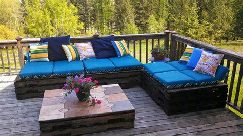 50 idu00e9es originales pour fabriquer votre salon de jardin en palette