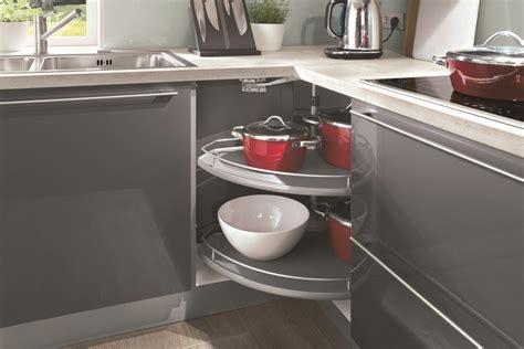 implantation type cuisine astuces pour meubles d 39 angle cuisiniste aviva