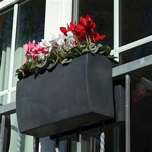 Balkonkasten Halterung Geländer : ein balkonkasten wie ihn die welt noch nicht gesehen hat pflanzk bel blog von ae trade ~ Watch28wear.com Haus und Dekorationen