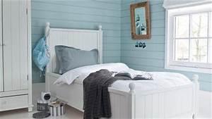 Deco Chambre Bord De Mer : donner un style bord de mer la chambre pour 350 euros ~ Teatrodelosmanantiales.com Idées de Décoration