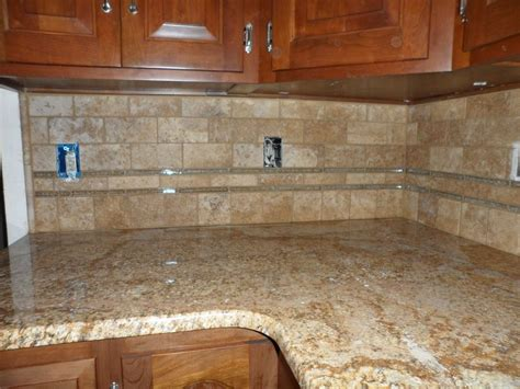 Limestone Backsplash Kitchen by Glass Tile Back Splash Grouted Limestone And Glass
