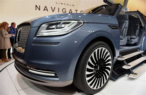 Ford Lincoln Suvs Will Be Made In China After Big Sales