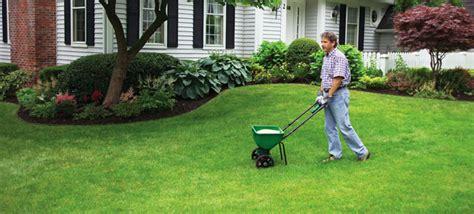 Lawn Fertilization Tips