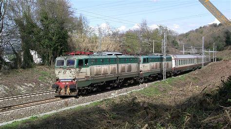 carrozze frecciabianca e 656 028 e 082 con carrozze frecciabianca e 656 028