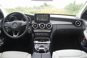 Mercedes Classe C Noir : essai vid o mercedes classe c break l 39 utilitaire 4 toiles ~ Dallasstarsshop.com Idées de Décoration