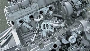 Inside Bmw 4 4 Liter V8 Twin Power Turbo Engine