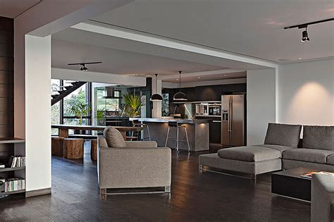 Sea Facing Penthouse By Abraham John Architects
