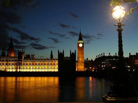 ipad controlled street lights coming  london