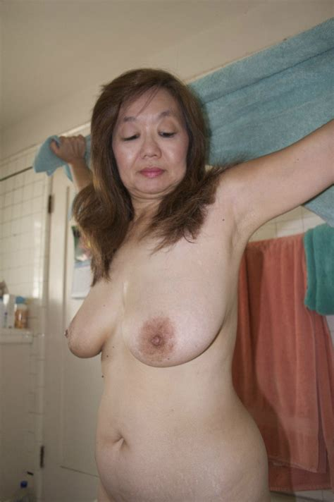 In Gallery Set Sexy Mature Oriental Wife