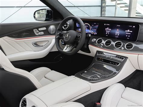 There are a litany of standard and available tech features, though the infotainment system takes a lot. 2021 Mercedes-AMG E 53 Estate 4MATIC+ T-Model - Interior | Wallpaper #17 iPad | 1024x768