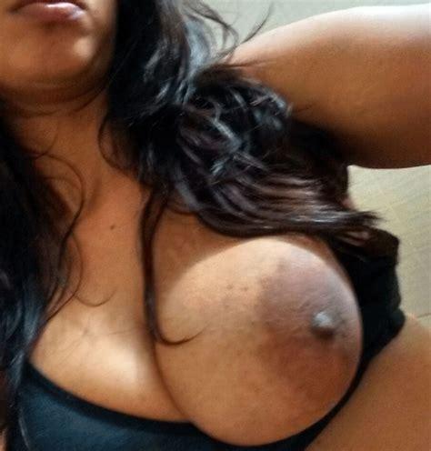Desi Nude Girl Anjana Exposing Her Body On Webcam